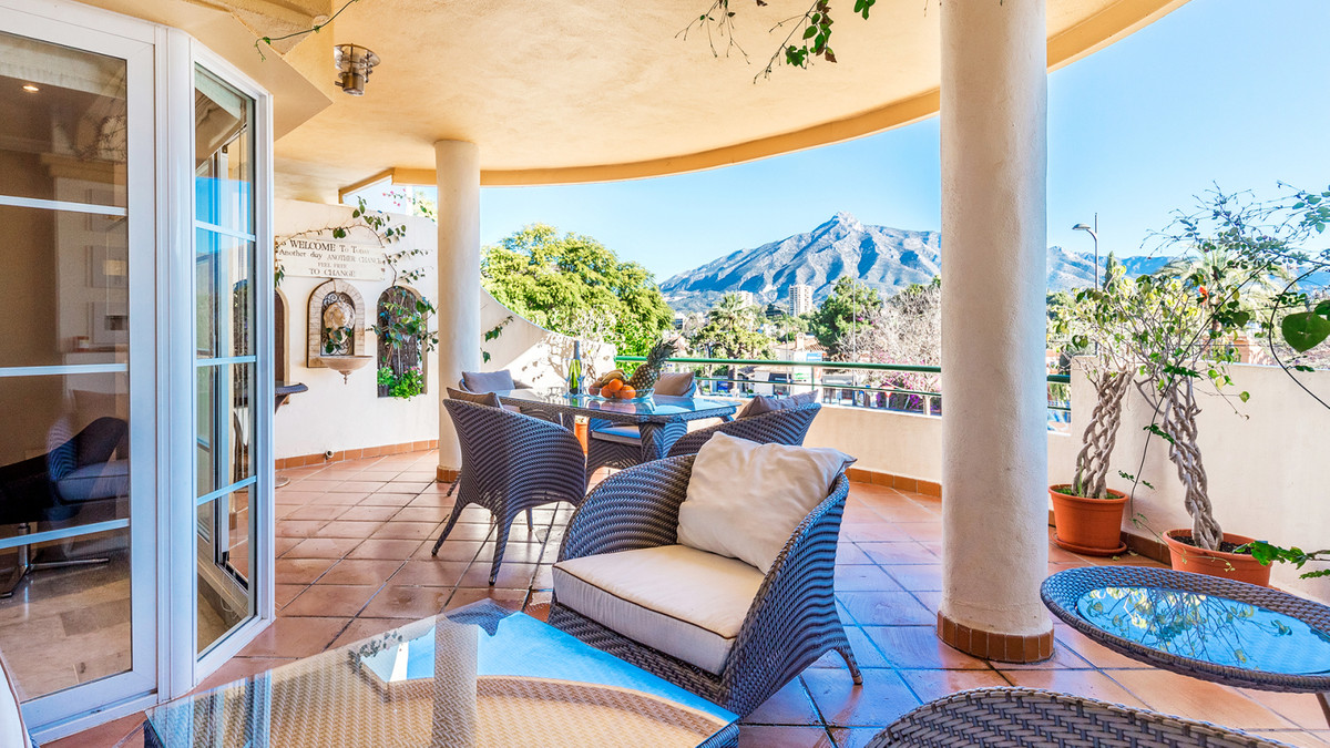 Marbella Banus Apartamento Planta Baja en Venta en Nueva Andalucía – R2860583
