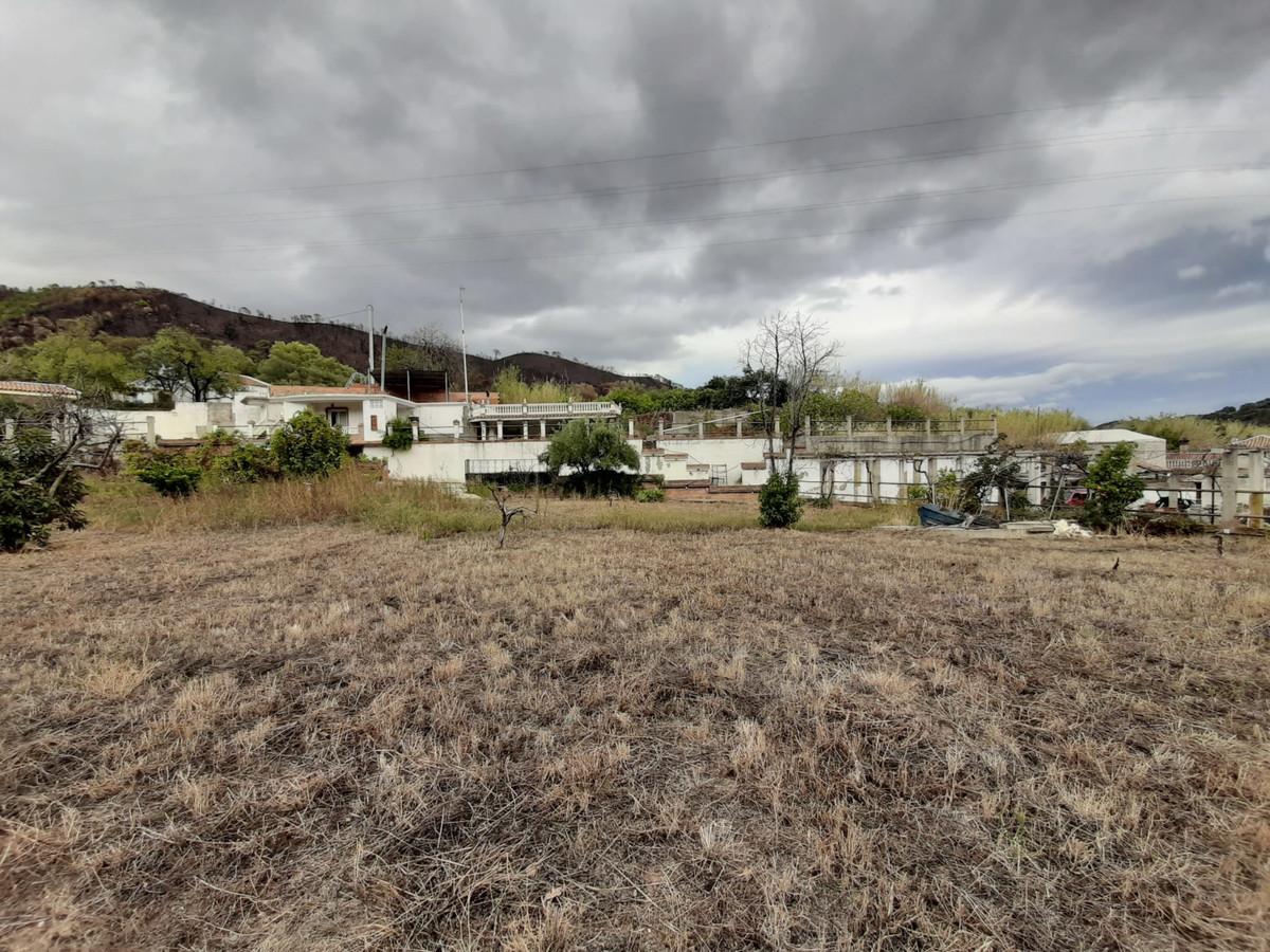 5 Bedroom Villa For Sale, Estepona