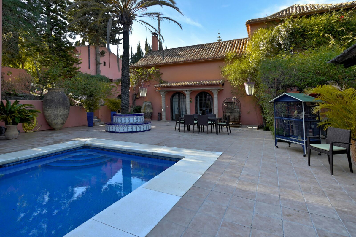 7 bedroom villa for sale estepona