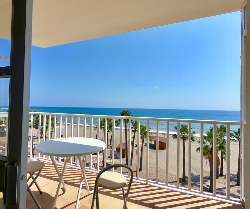 Apartamento Planta Media en venta, Estepona – R3409882