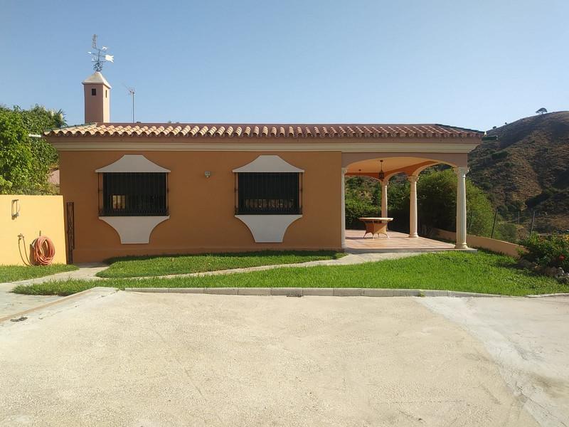 Villa – Chalet en venta en Estepona – R3502009