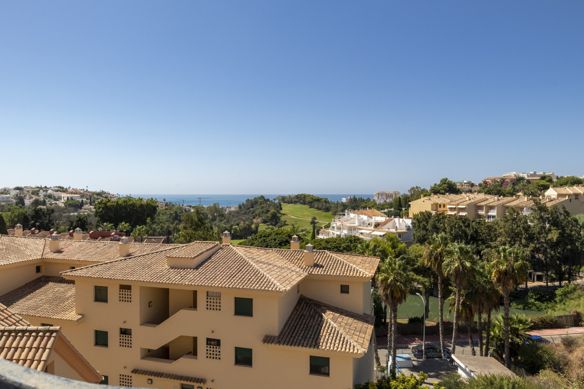 Villa Detached Torrequebrada Málaga Costa del Sol R3668645 4