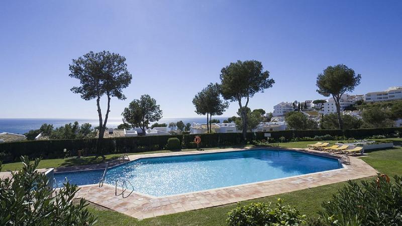 Marbella Banus Pareada a la venta en Miraflores – R3482287