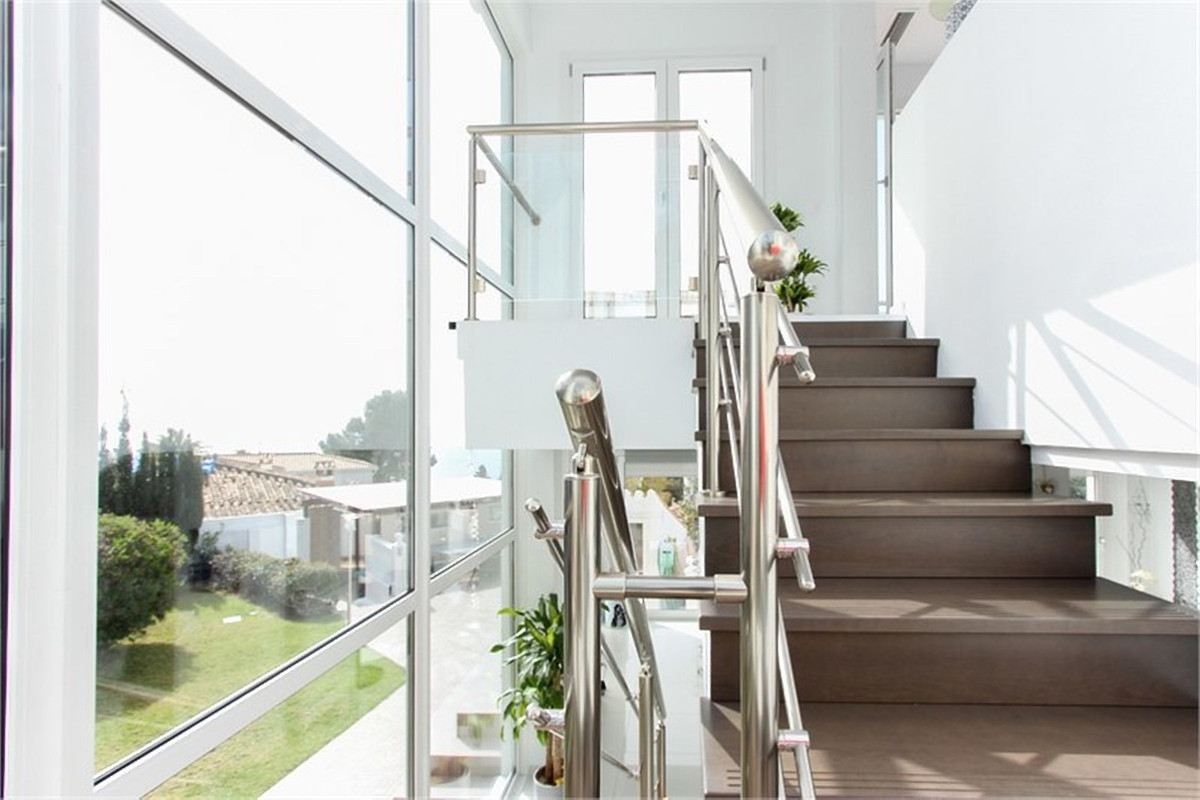 Price drop: was 995.000, now 895.000 euros. This bright two-level contemporary villa is completely r,Spain