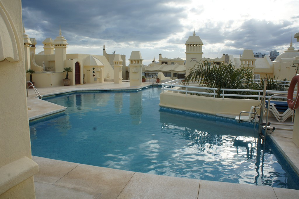 Impressive penthouse on the well sought after Isla de Poniente in the heart of the Puerto Marina of ,Spain
