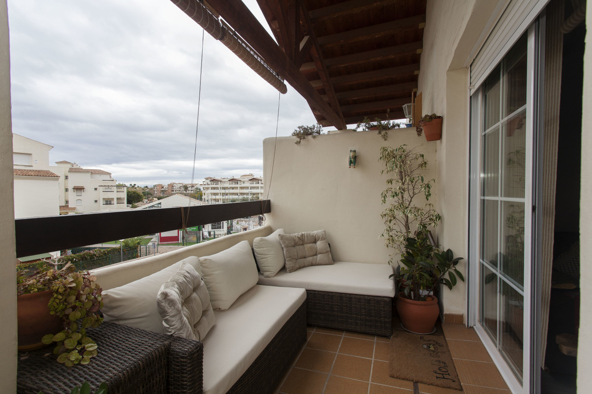 This completely reformed luxury 2 bed, 2 bath middle floor apartment is located in the urbanization ,Spain