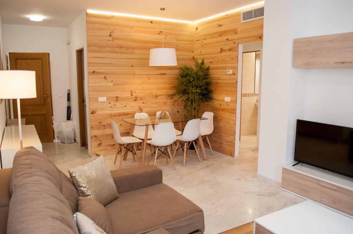 Apartamento 2 Dormitorios en Venta Torrequebrada