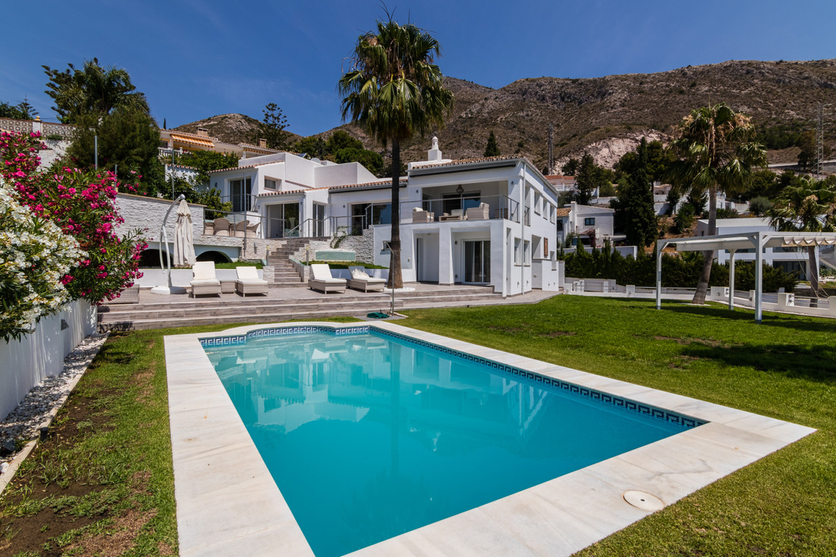 Exceptional villa the upper part of Benalmadena. Spectacular panoramic sea views. This villa is grea, Spain