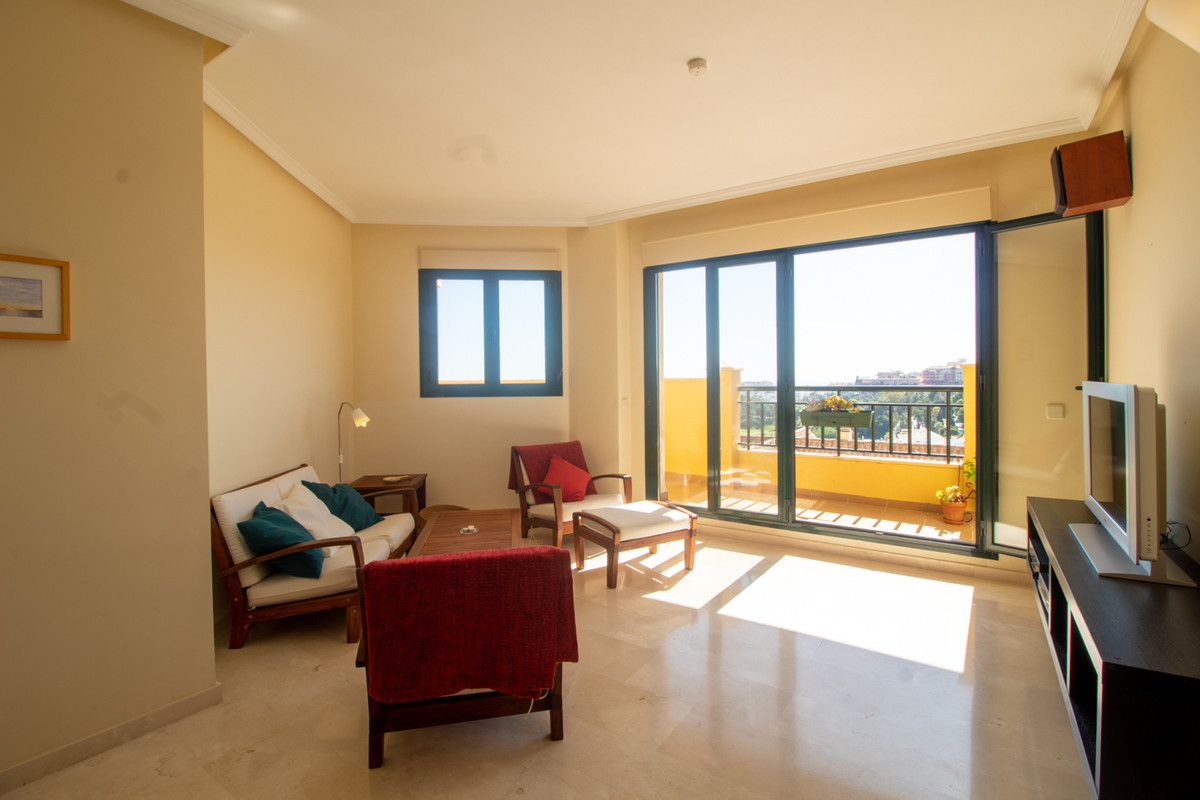 A wooowww property with incredible open Panoramic views to the golf course, sea and mountains Situat,Spain