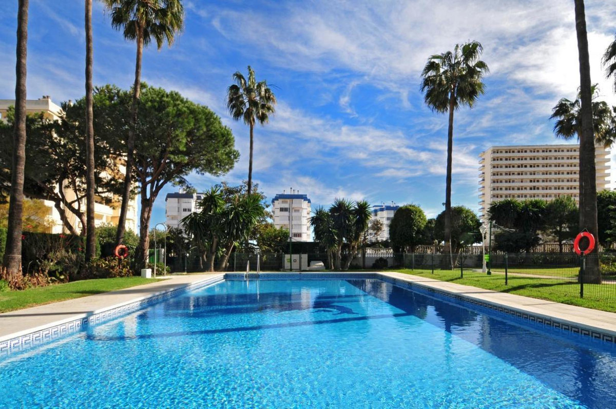 Spectacular middle floor apartment in the well sought after Edificio Torrealmadena in Benalmadena Co,Spain