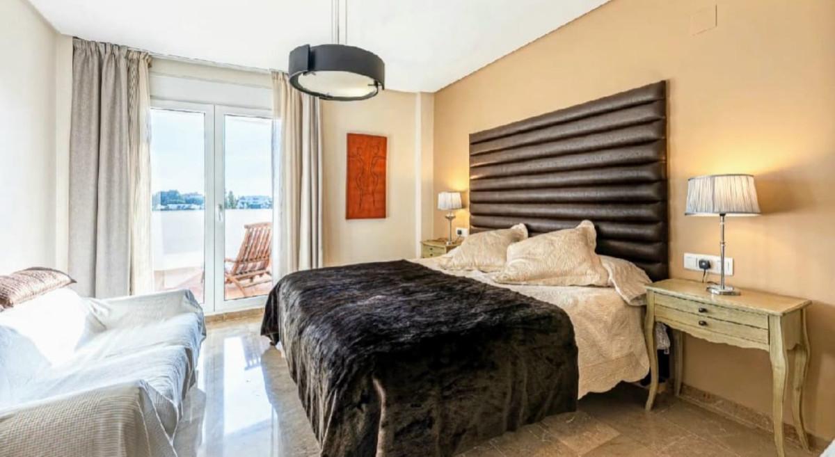 Apartamento 3 Dormitorios en Venta Torrequebrada