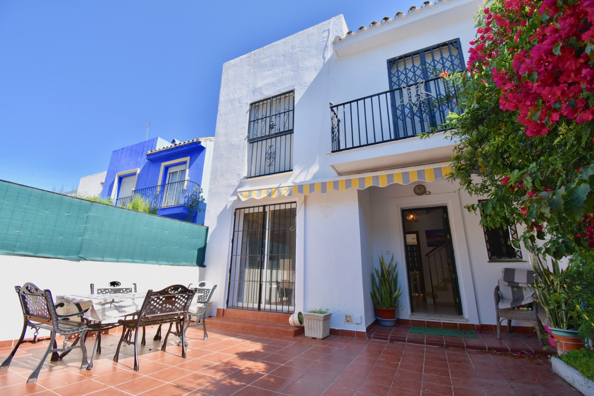 4 bedroom townhouse for sale los boliches