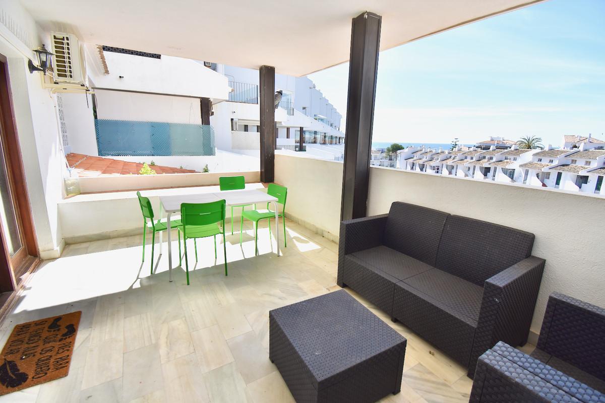 Apartamento en Venta en Calahonda – R3824734