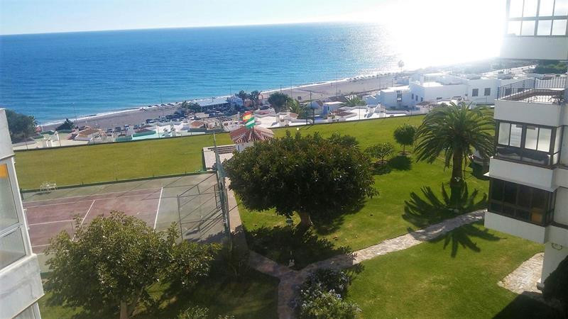 3 Bedroom 2 bathroom apartment in a well establised urbanization, at only 200 metres from the beach., Spain