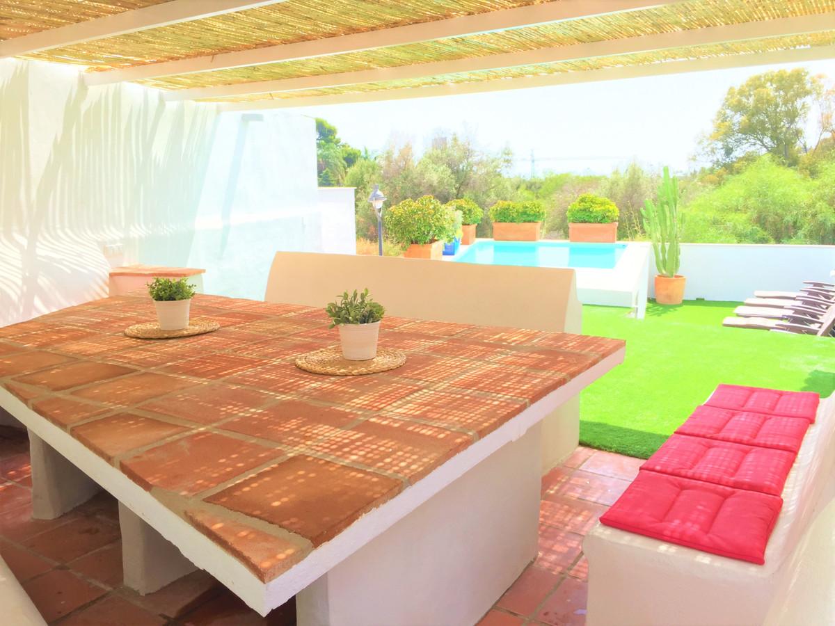 Marbella Banus Pareada en Venta en Marbella – R3637961