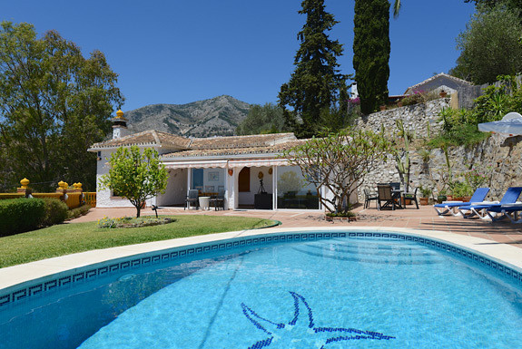 BEAUTIFUL 3 BEDROOM DETACHED VILLA IN A STUNNING ELEVATED POSITION WITH FABULOUS VIEWS TO THE COASTL, Spain