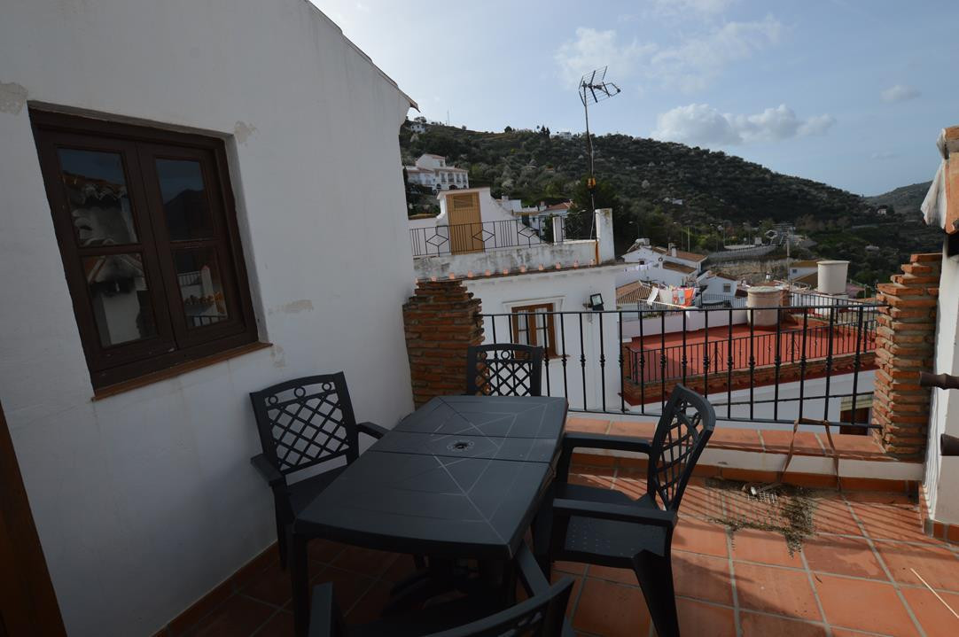 CHARMING ANDALUCIAN HOUSE ON THE MAIN VILLAGE SQUARE NEXT TO THE CHURCH  South facing with tradition,Spain