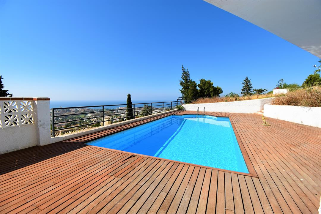 Detached Villa, Benalmadena, Costa del Sol. 6 Bedrooms, 3.5 Bathrooms, Built 320 m², Terrace 20 m², , Spain