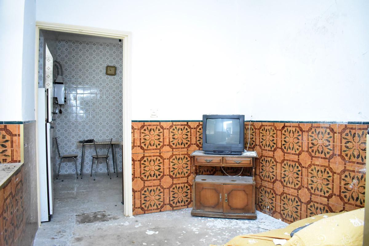 6 Dormitorios - 1 Baños