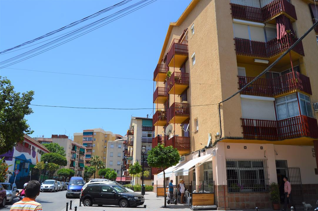 Top Floor Apartment, Fuengirola, Costa del Sol. 3 Bedrooms, 1 Bathroom, Built 92 m², Terrace 5 m².  , Spain