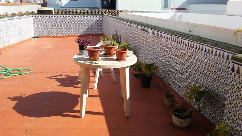 In the heart of Nerja town, this 2 story house would be a good business investment. At street level ,Spain