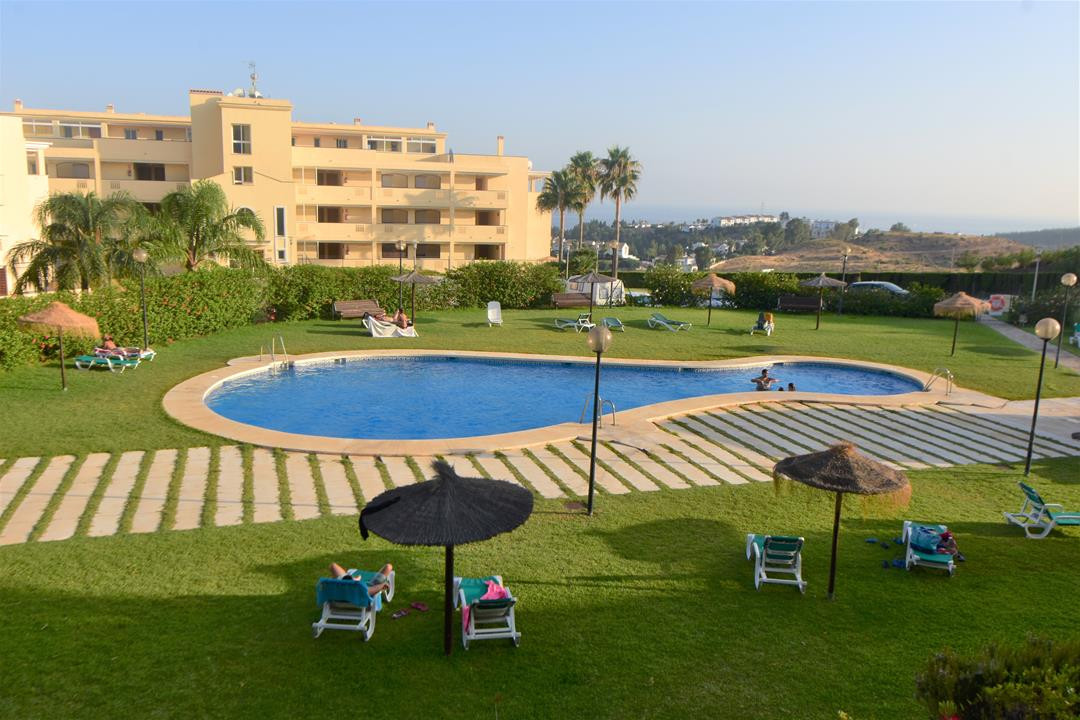 GREAT 2 BED APARTMENT MINUTES FROM THE MIRAMAR SHOPPING CENTRE WITH MOUNTAIN AND SEA VIEWS   Lovely , Spain