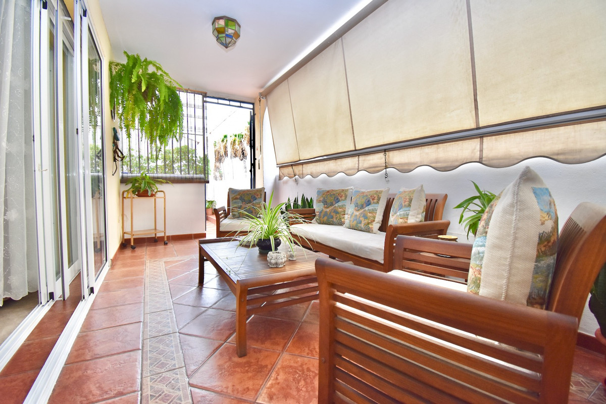FANTASTIC TOWNHOUSE VERY CLOSE TO THE SEA AND LARGE TERRACES.       This property has 60 m2 of terra, Spain