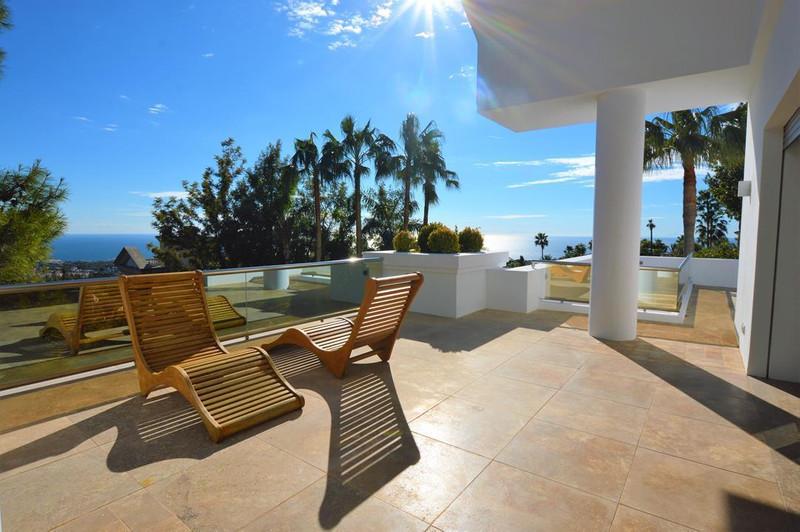 Marbella Banus Villa – Chalet en venta en The Golden Mile – R3069805