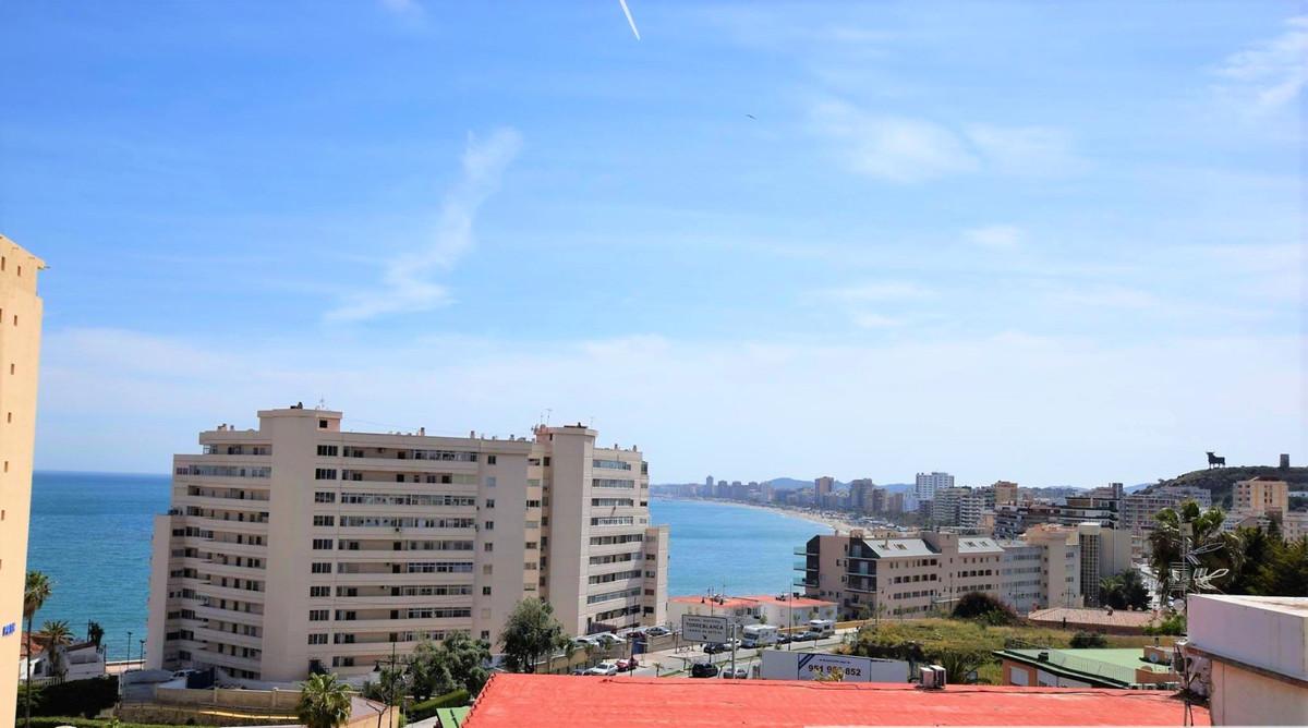 Lägenhet på mellanplan i Carvajal R3261082