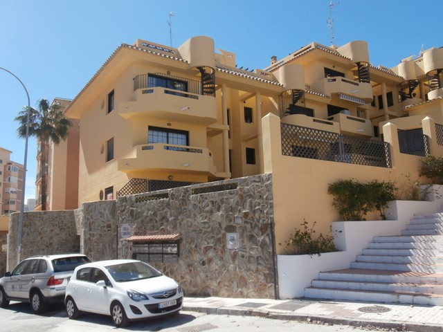 LOVELY PENTHOUSE IN TORREMOLINOS - The property has 2 levels and is located in the nice area of Play, Spain