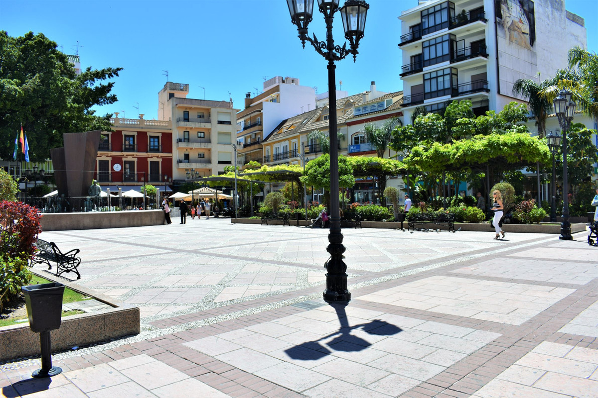 HOSTAL OPPORTUNITY IN THE CENTER OF FUENGIROLA AT INCREDIBLE PRICE   This hostel has 33 rooms a,Spain
