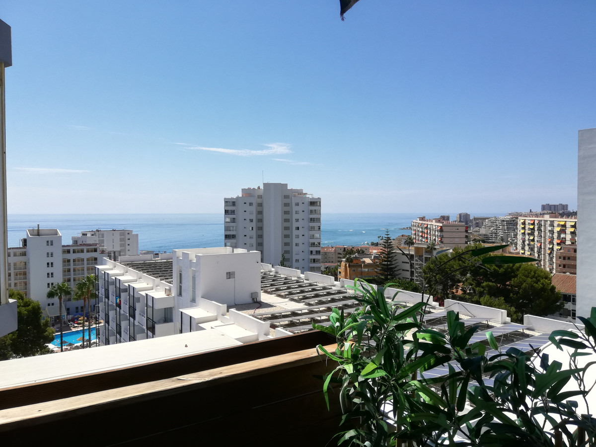 Middle Floor Apartment for sale in Benalmadena Costa R3480403