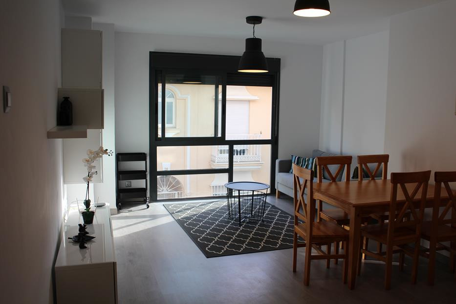 Newish apartment in the area of Las Lagunas in perfect condition. Walking distance to the theatre, C, Spain