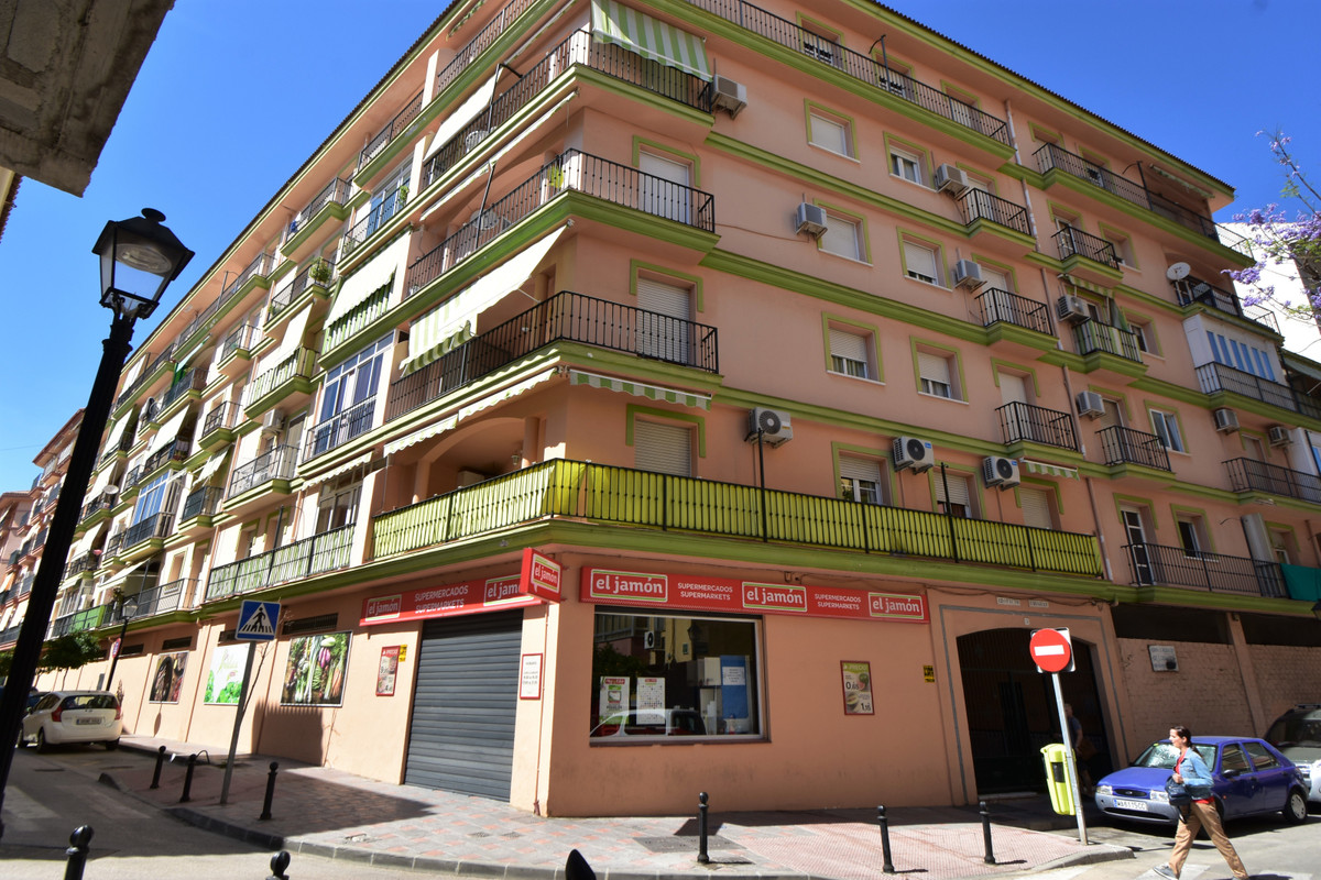 No car? NO PROBLEM-1 bed first floor apartment in Central Fuengirola, walking distance to everything,Spain
