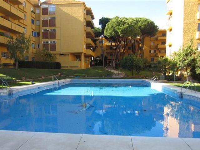 Marbella Banus Apartamento Planta Media en Venta en Calahonda – R2930837