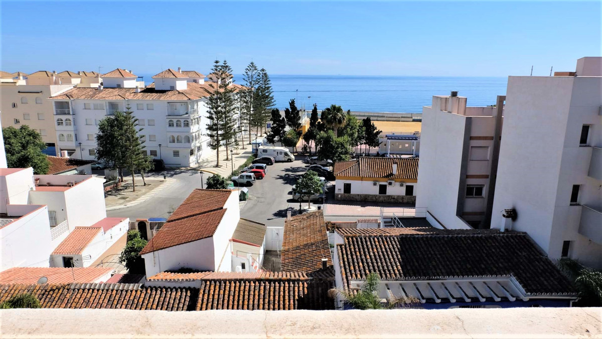 Your one bedroom apartment with the potential to build a second apartment on the terrace, just 120 m,Spain
