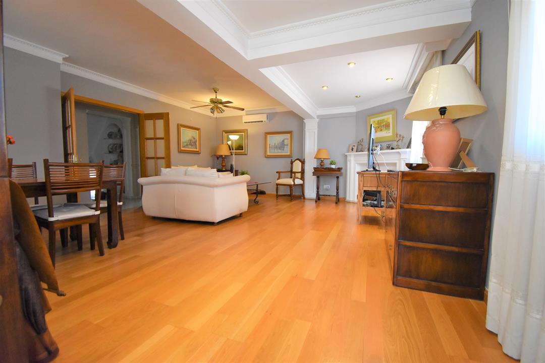 Villa 4 Dormitorios en Venta Málaga