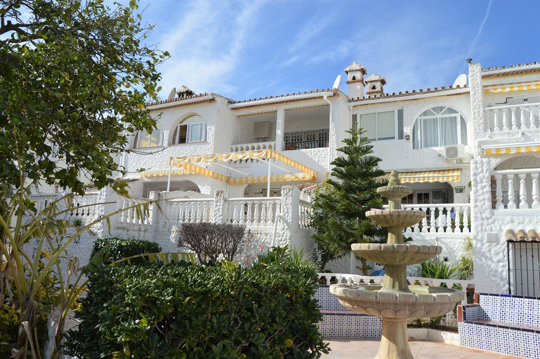 LOVELY 2 BED TOWNHOSE IN ONE OF THE MOST SOUGHT AFTER URBANISATIONS IN BENALMADENA   Charming 2 bedr, Spain