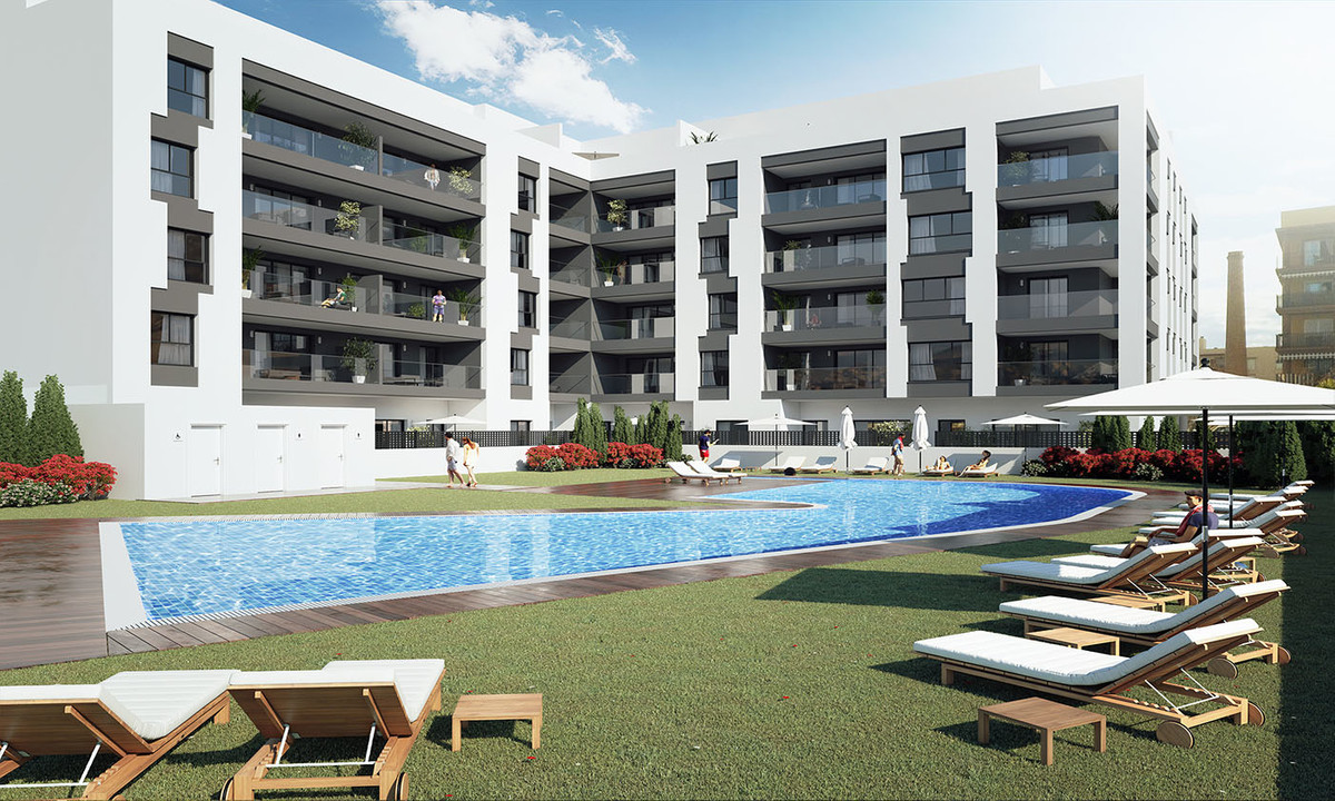 Residential complex of 2, 3 and 5 bedrooms  +900 m2 of gardens and  beach type pool.   Residencial P, Spain