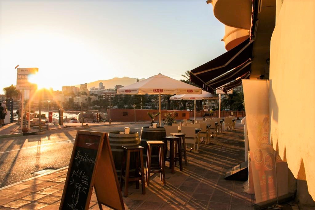 RESTAURANT FOR SALE IN COASTS MOST POPULAR MARINA. UNUSUAL CHANCE TO ACQUIRE A FREEHOLD BUSINESSS CU,Spain