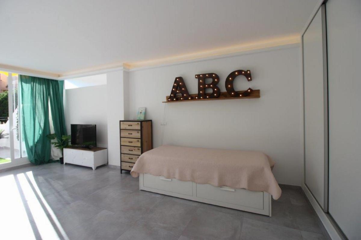 Short Term Rental - Middle Floor Studio - Torreblanca - 11 - mibgroup.es