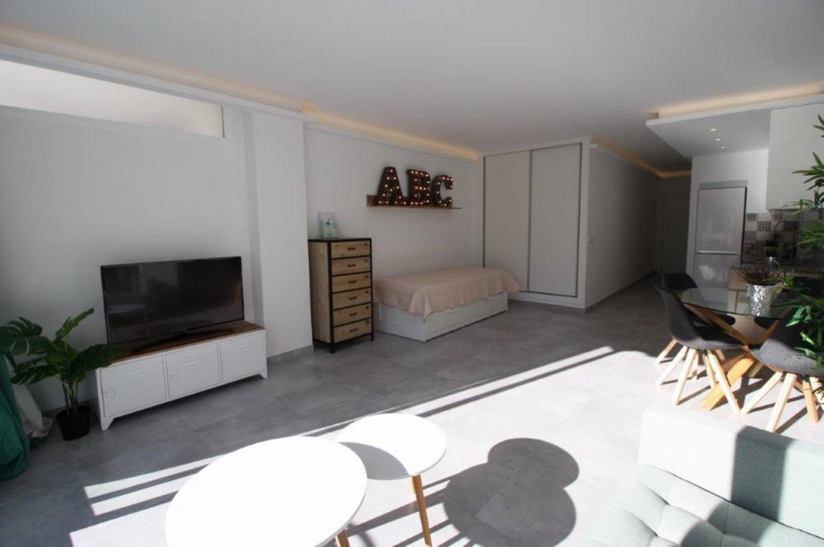 Short Term Rental - Middle Floor Studio - Torreblanca - 9 - mibgroup.es