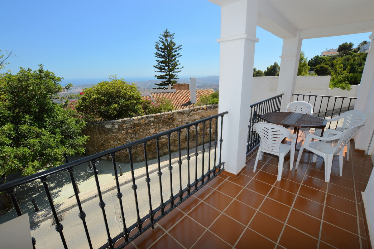Fantastic 2 bedroom apartment in the popular whitewashed mountain village of Mijas Pueblo, walking distance to the center, yet in a quiet area with lovely views!  This apartment has all the comforts you need for your stay, from Wi-Fi internet and UK TV channels, to air conditioning (hot and cold so useful year round) in all rooms, fully equipped kitchen, spacious terrace and comfortable bedrooms! The views from the balcony are lovely and you are also conveniently located just 5 minutes walk into the center of the village!  The apartment is just 20 minute drive from Málaga Airport and also just 10 minute drive from the coastline with popular resort towns of Fuengirola, Benalmadena and Torremolinos and their golden sandy beaches and many attractions.   Available to rent short term year round (fully licensed property) and also available for longer stays in the Winter of 1 month + (pending availability) at lower monthly rates - inquire with us today to check out availability and pricing!