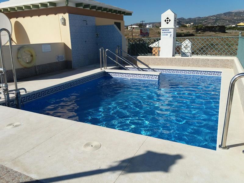 Beautiful 2 bedroom 2 bathroom apartment on a first line beachfront complex with swimming pool on th,Spain