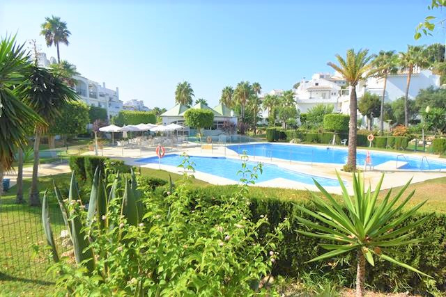 PRETTY DUPLEX APARTMENT IN THE BEAUTIFUL ALBAMAR COMPLEX IN MIRALORES WALKING DISTANCE TO THE BEAUTI,Spain