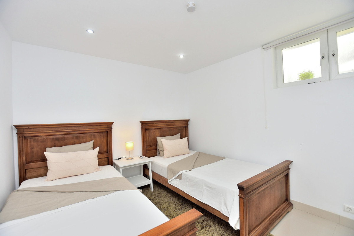 Villa con 5 Dormitorios en Venta Benalmadena Pueblo