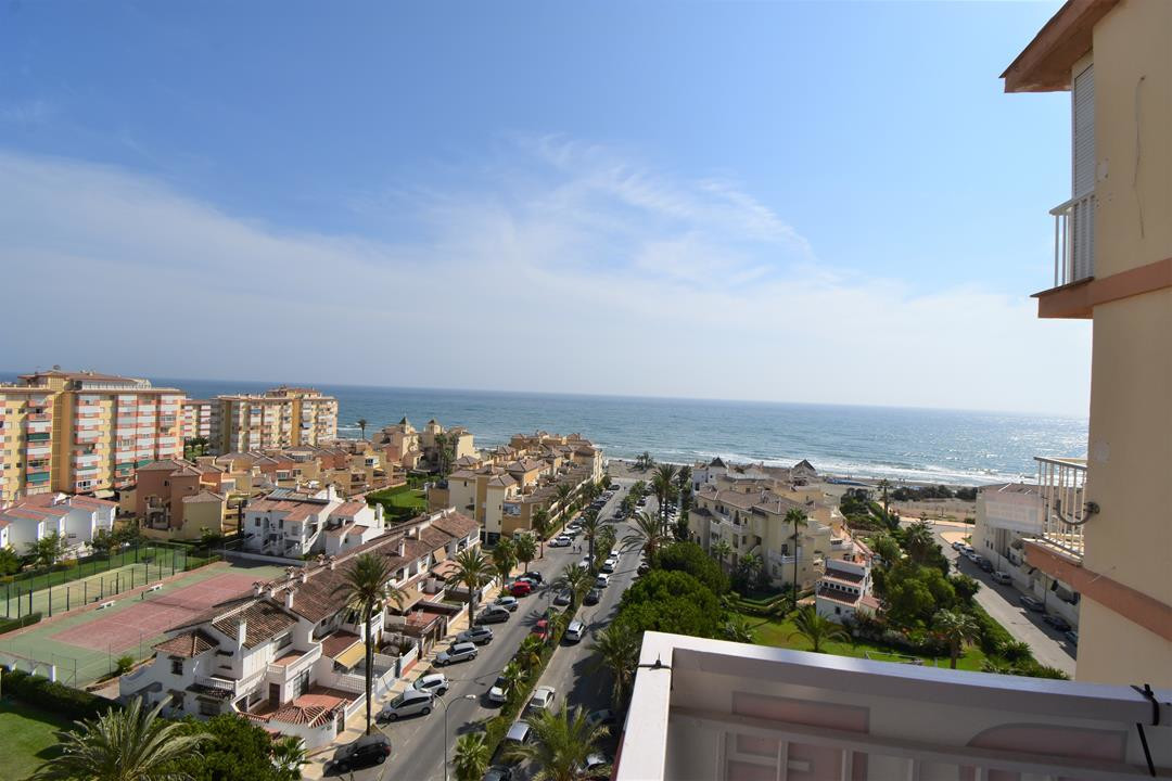 BEAUTIFULLY REFORMED STUDIO IN TORROX COSTA.   uxurious studio apartment just a stone´s throw to the, Spain
