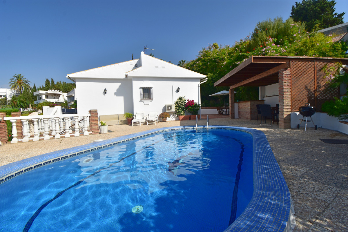 FABULOUS 3 BEDROOM DETACHED VILLA, BEAUTIFUL PRIVATE POOL AND THE VIEWS ARE BREATHTAKING - TRULY MUS, Spain