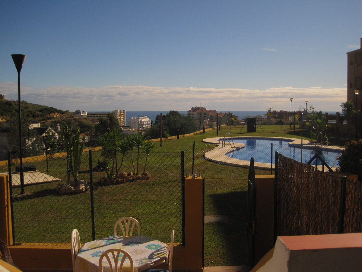 Lovely one bed duplex in Torrequebrada with direct access to the communal pool from the terrace, vie, Spain