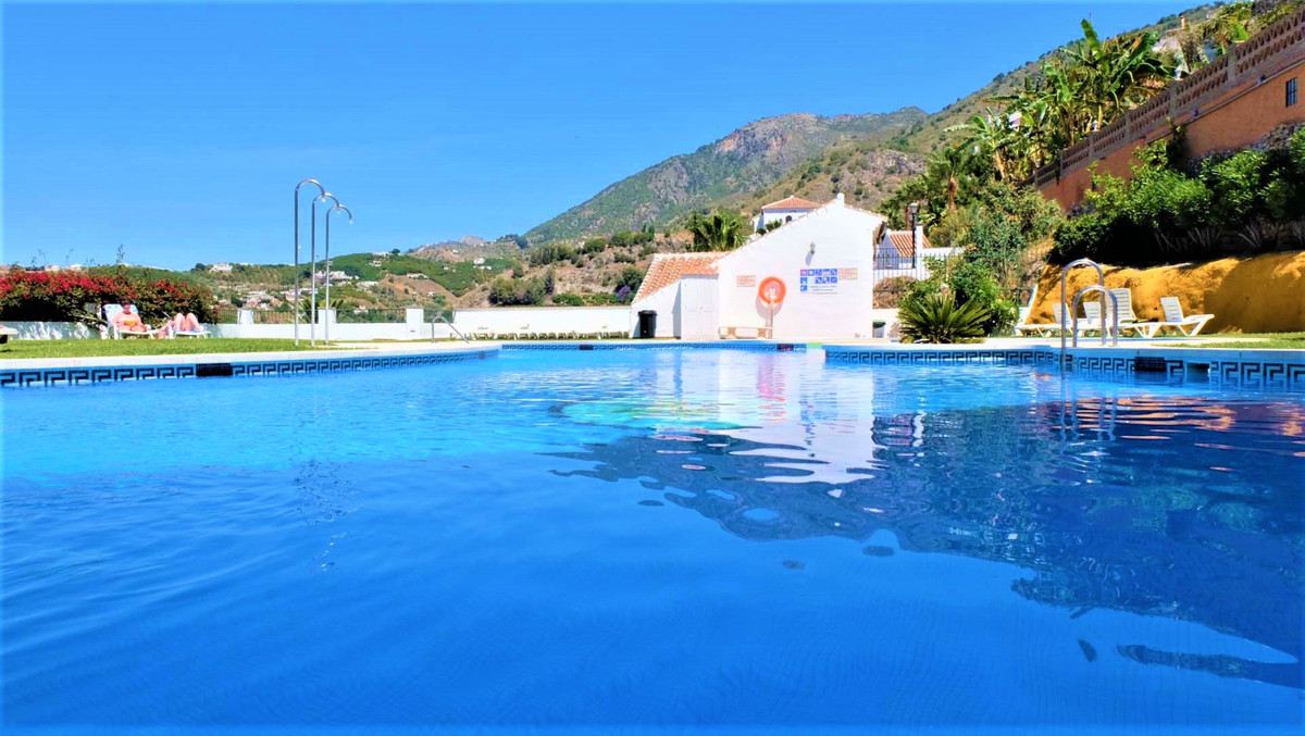 Apartment in perfect condition in one of the most beautiful villages in Spain, Frigiliana. With grea, Spain